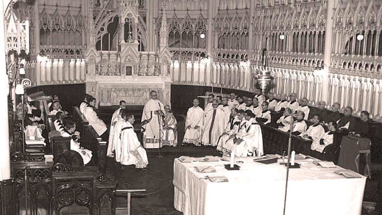 cathedralerimouskihistoire1965chourmesse.jpg